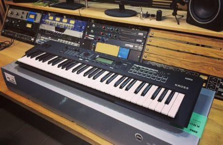 Клавіші Korg Kross 2 – професійний інструмент в оренду для репетицій