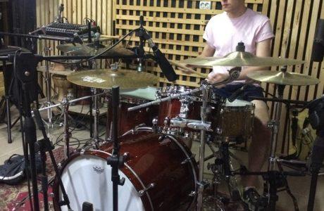 Запис барабанів на студії: група Zoanthropy з Києва