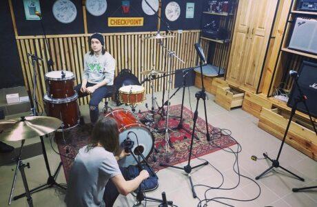 Запис барабанів для групи Onaway у студії звукозапису Checkpoint