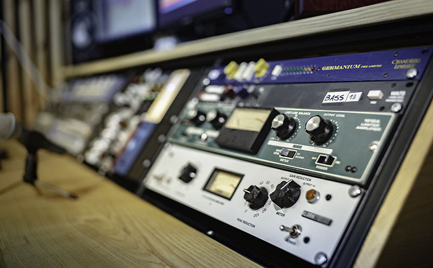 Studio outboard 6